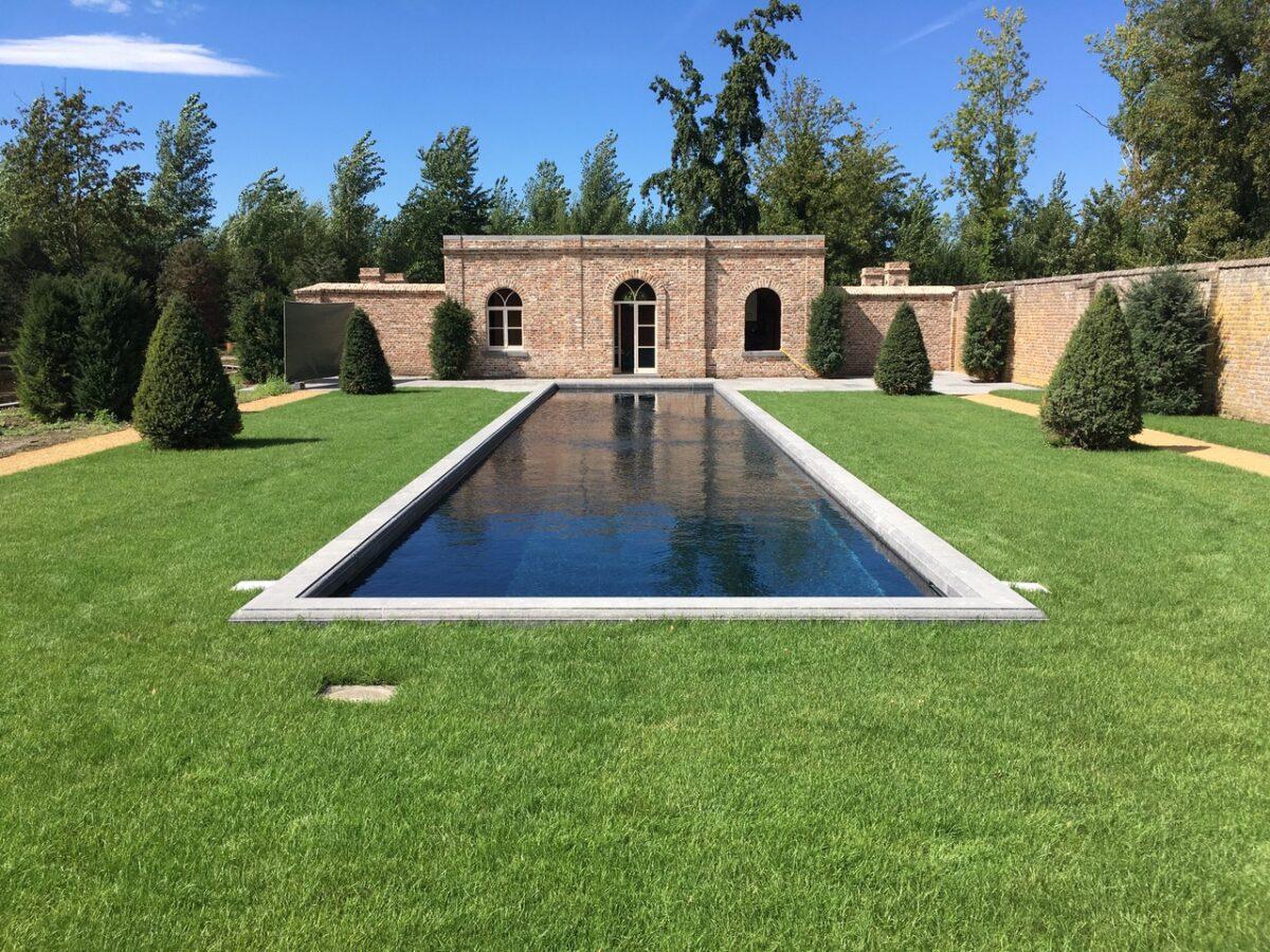 Inspiratiebeeld van een tuinontwerp met zwembad2